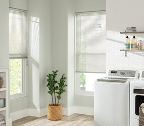 Bella View: Classic 1 Inch Cordless Vinyl Blind