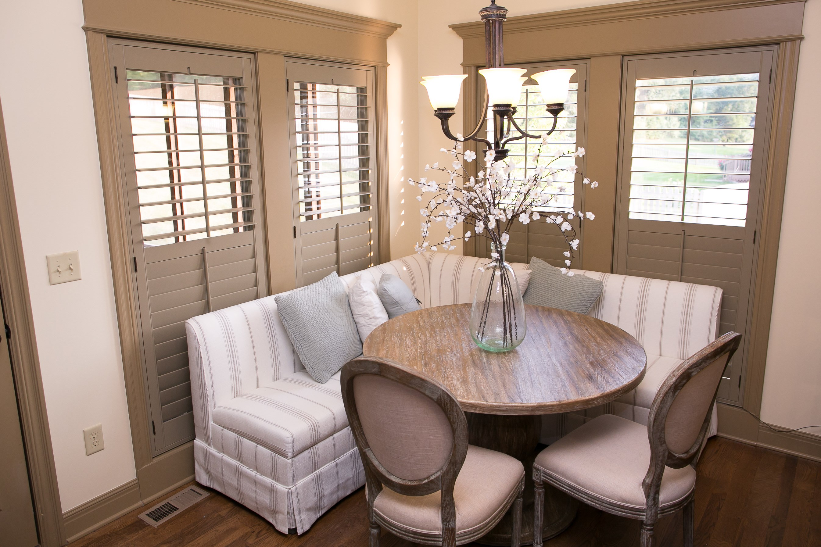 kitchen nook shutters4.jpg